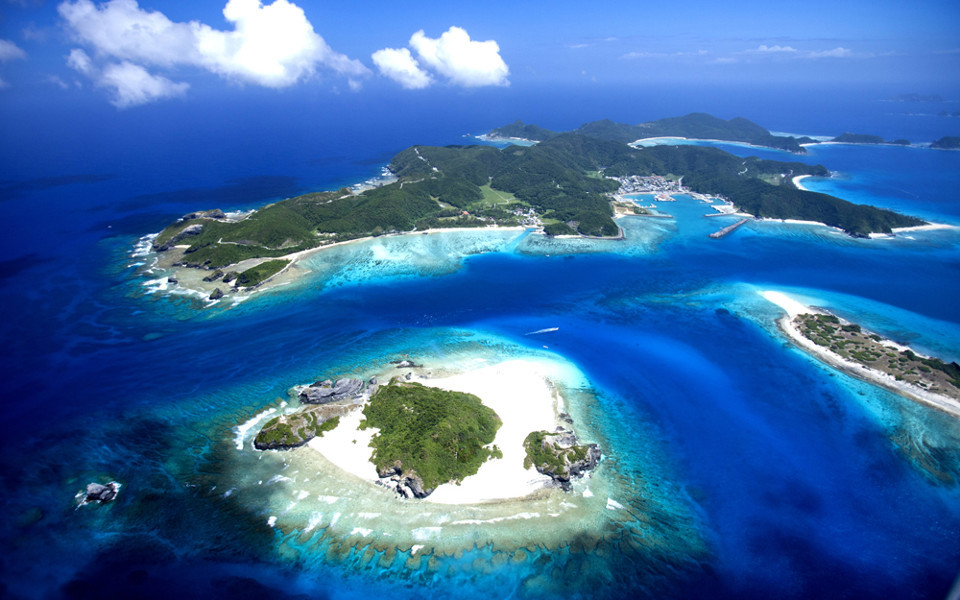 Okinawa Helicopter Tour – Oceans and Beautiful Beaches